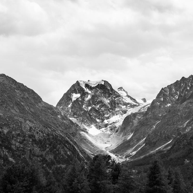 image montagne noir et blanc Mont Collon