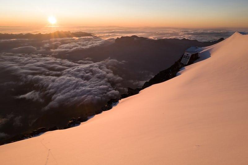 photo du crépuscule sur le mont blanc